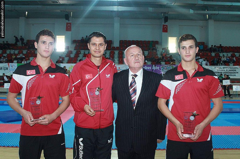 En Başarılı Lise Ödülü Yalova Bahçeşehir'in