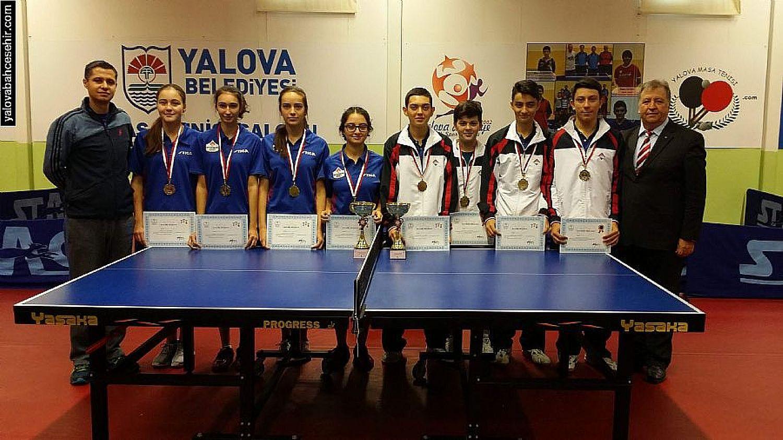 Yalova Bahçeşehir'den Çifte Şampiyonluk