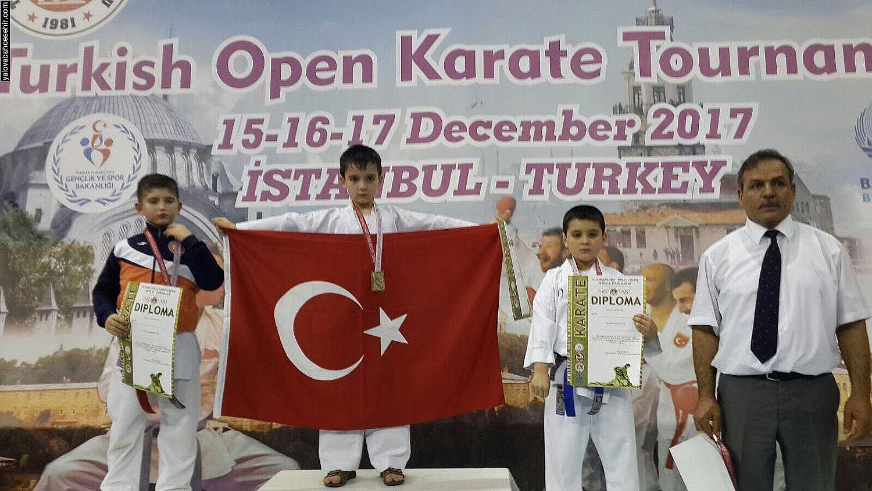 Turkish Open Karate Turnuvası'nda Birincilik