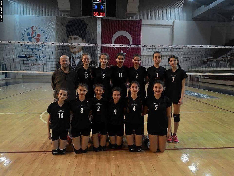 İki Kupa Daha Yalova Bahçeşehir Koleji'nin