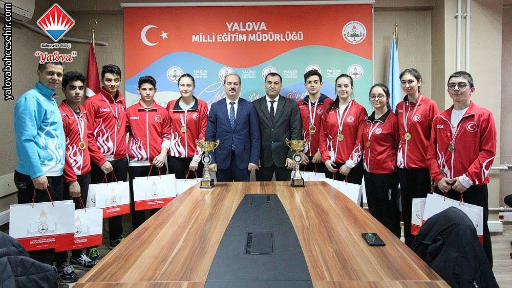 Şampiyonlarımızın İl Milli Eğitim Müdürülüğü ve Gençlik Spor İl Müdürlüğü Ziyareti