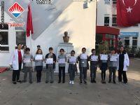 Ekim ayının en çok kitap okuyan öğrencileri sertifikalarını Türkçe öğretmenlerimizden aldılar.