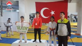 Yalova Okullar Arası Karate Şampiyonasında Birinci Olan Öğrencimiz Gökay SÖKMEN