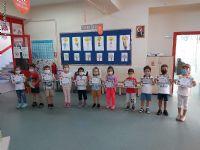 Anasınıfı 5 yaş Hazırlık Grubumuz İngilizce dersinde First Week Certificate aldılar.
